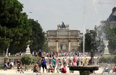 Tuilleries to the Arc de Triomphe du Carrousel
