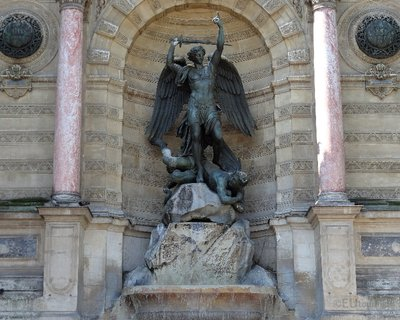 Saint Michel statue at Fountaine Saint Michel