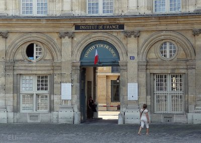 Entrance to the Institut de France