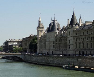 Pont au Change bridge to Conciergerie
