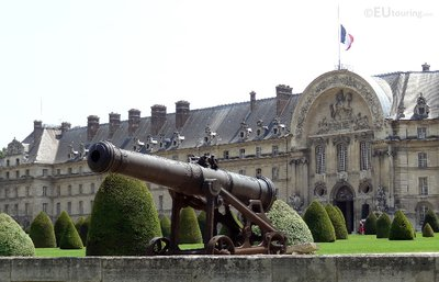 Cannon and Les Invalides