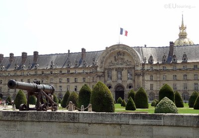 Front Facade and gardens of Les Invalides