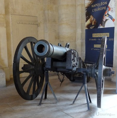 Historic cannon at Les Invalides