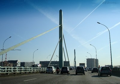 Bridge towards Paris