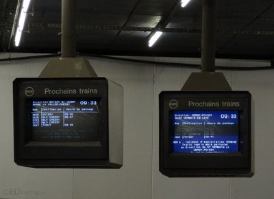 RER Train information boards