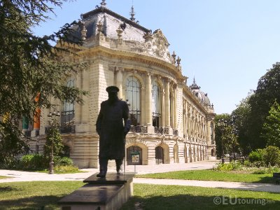 Sir Winston Churchill statue at Petit Palais