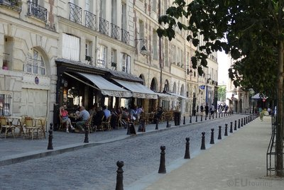 Cafes at Place Dauphine