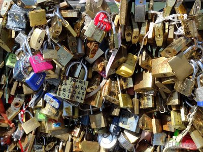 Crowded love locks