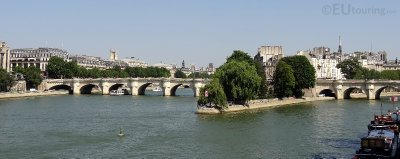 The Pont Neuf bridge in full