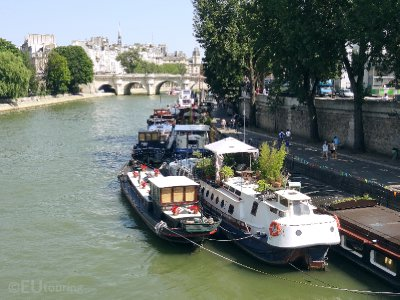 Boats moored opposite the Ile de la Cite