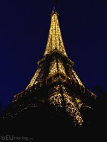 Night time photo of the Eiffel