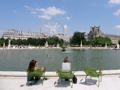 Water feature and ferris wheel at Tuileries Garden