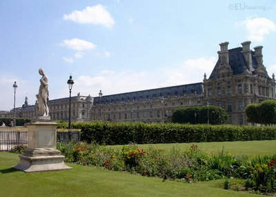 Tuileries, statue and Louvre