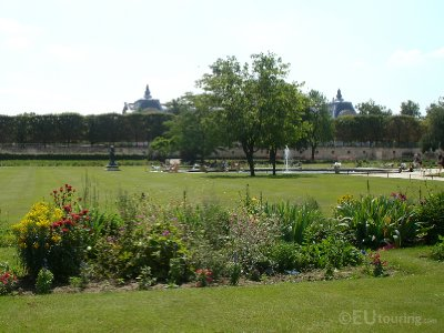 Path through the Jardin des Tuileries