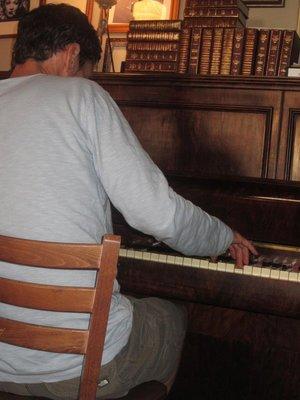 Saul playing at the Jam Jar