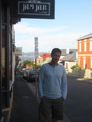 Saul Chessin at the Jam Jar, Hobart, Tasmania