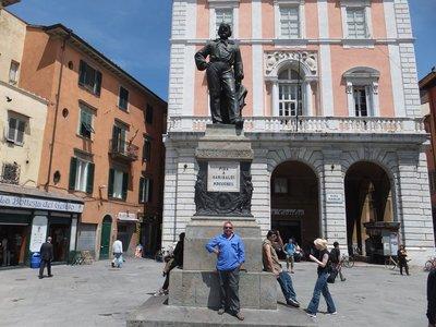 Garibaldi's statue in Pisa