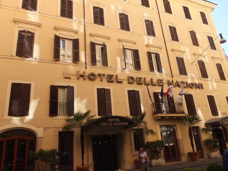 Hotel Delle Nazione, great, central spot with helpful staff!