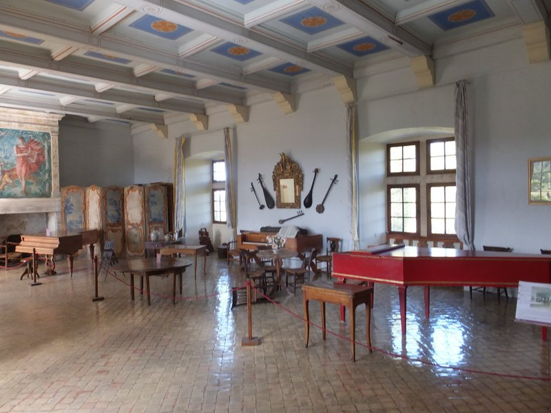 The music room in the chateaux Lourmarin