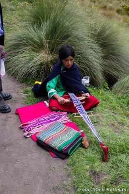 D 35-Campesina Weaving