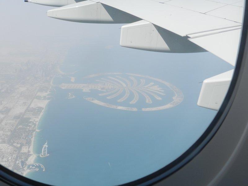Palmeninsel und Burj Al Arab vom Flugzeug aus