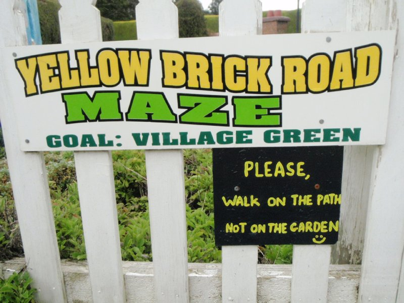 Yellow brick road maze