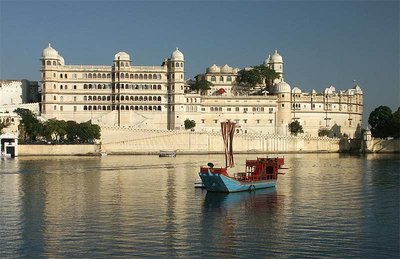 udaipur-lake-tourism