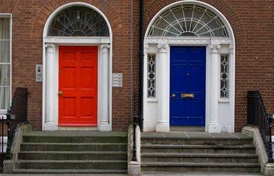 Do you prefer red or blue ?