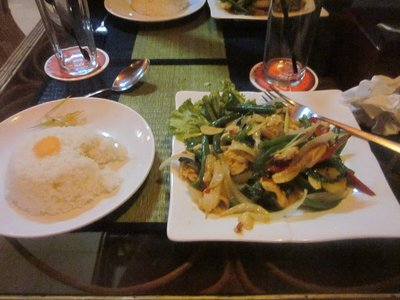 Nom NOm NOM. Good food!!!