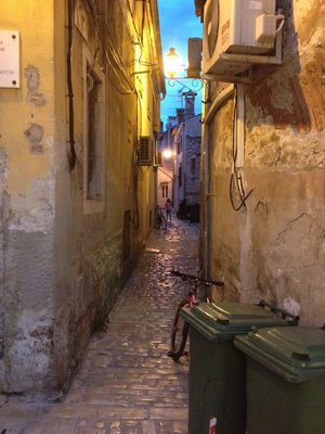 Alley to Rovinj Apartment
