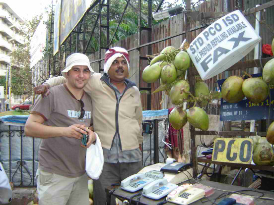 Calling Poland from a coconut stall? - In India everything is possible