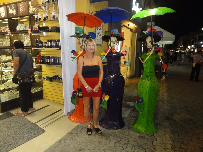 Posing on 5th Avenue in Playa del Carmen