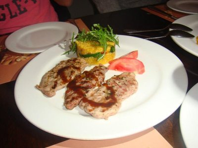 Alpaca_dinner.jpg