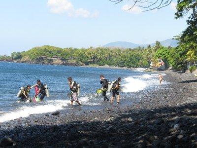 Shore diving at Tulamben