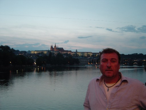 Me blocking the charles bridge