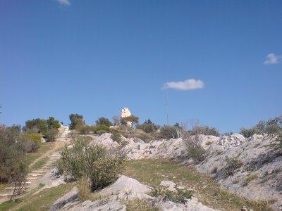 Hab grad den Namen vergessen, aber das Monument auf dem Berg