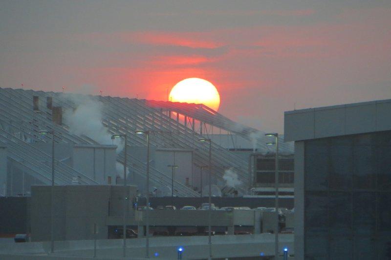 Sonnenaufgang am Flughafen in Atlanta