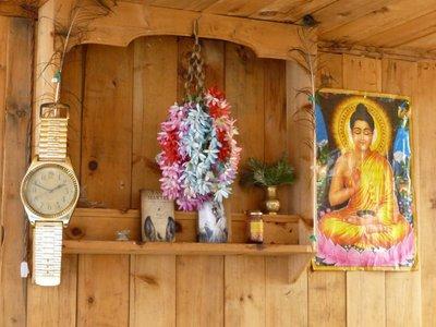 Unusual decoration in Dukur Pokhari.