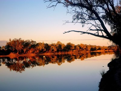 Evening reflection on the Wilson River