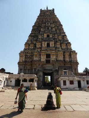 Virupassa temple, Hampi