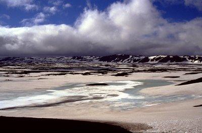 Dans le cratère glacé