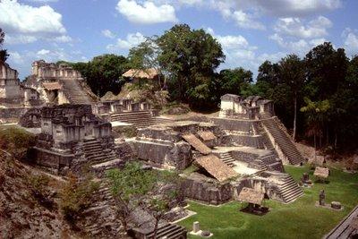 Tikal Plaza Major