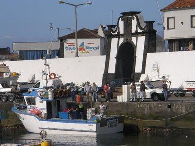 Le port de Velas