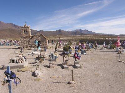 Eglise et son cimetière