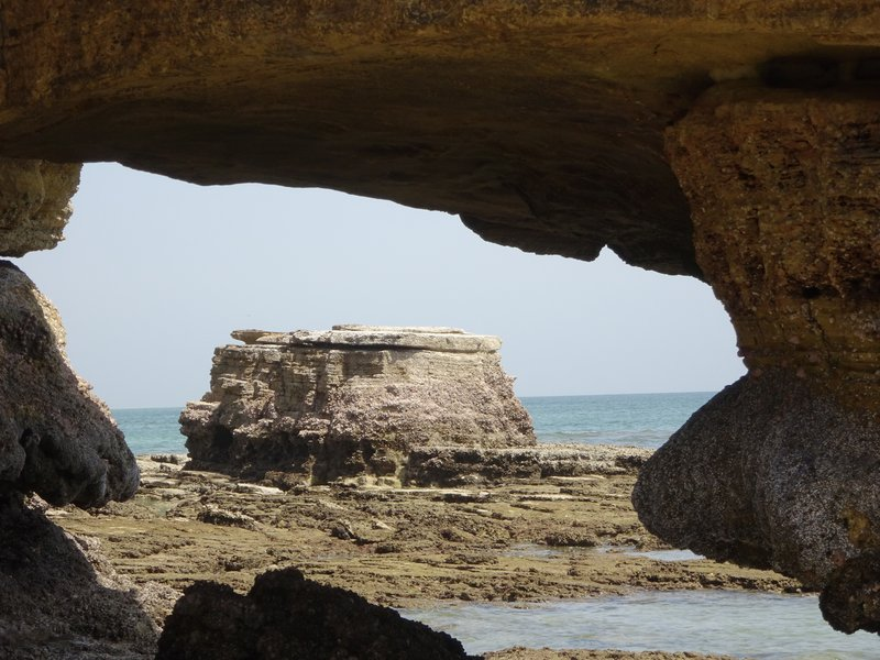 Grotte sur la mer