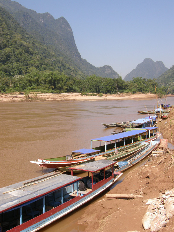 Départ de Muang Noy sur la rivière Nam Ou
