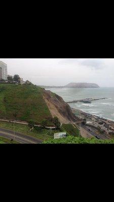 Lima_coast_2.jpg