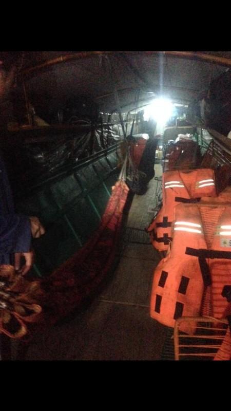large_Fast_boat_hammocks.jpg