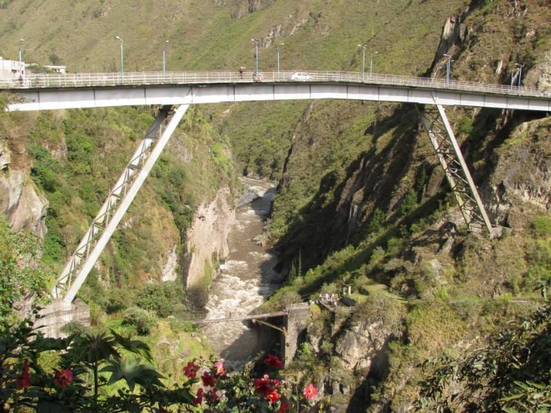 large_Puenting_bridge.jpg
