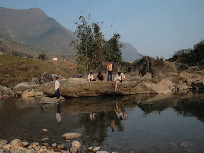 Boys fishing, Sapa